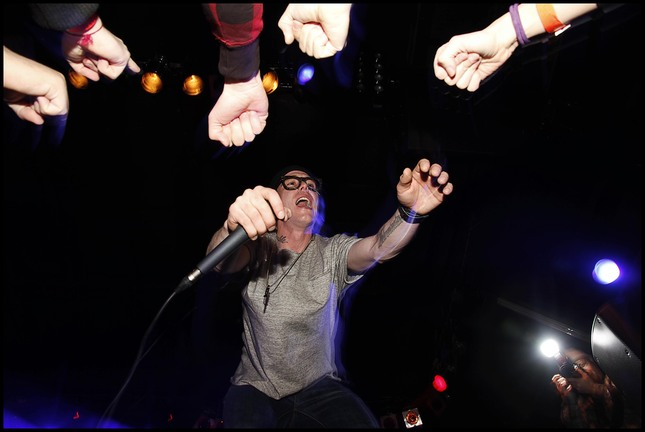 hands up !!!