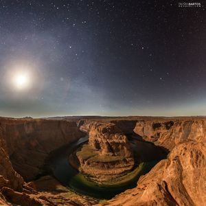 Horseshoe Bend v noci