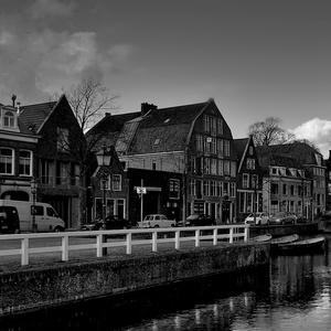Z Holandska.