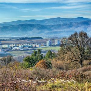 Jesenný pohľad na mesto