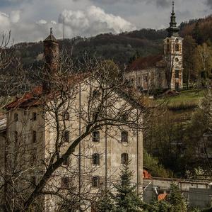 Jar prichádza do obci Vyhne