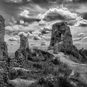 Čachtický hrad bw
