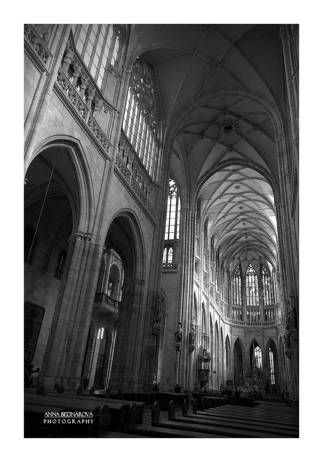 Hlavná loď katedrály