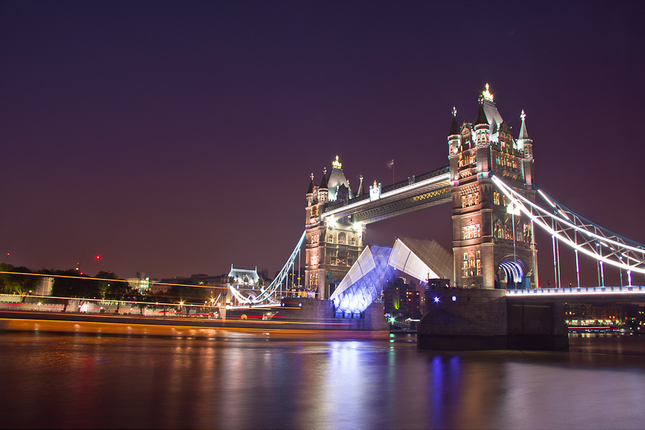 Tower Bridge, opening