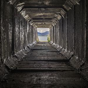 Temným tunelom ku L.Mare