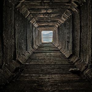 V tuneli