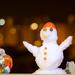 novoročny parapetový snehulak