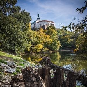 Jesen pod hradom