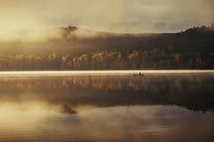 Jesenné rána na plťke