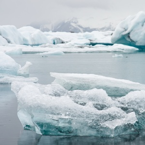 Modrá, ale ľadová lagúna