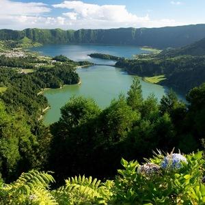 Modré a zelené jazero