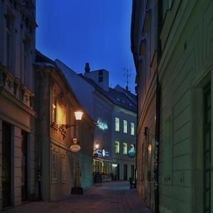 ulicka v centre bratislavy