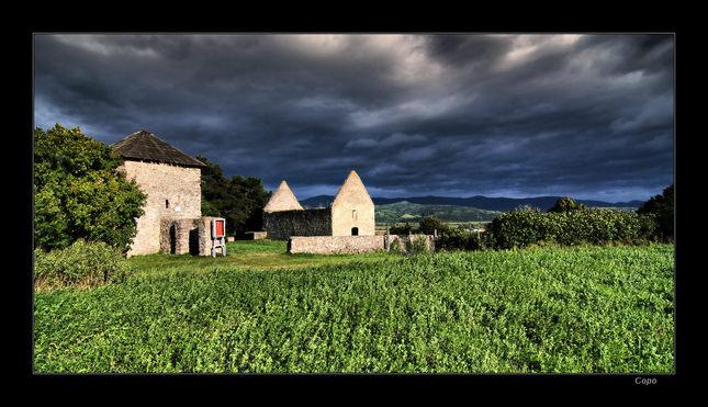 Haluzický románsky kostol