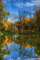 Ako sa jeseň pri vode zrkadlila