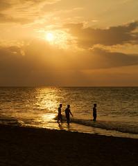 Kupanie pri zapade slnka