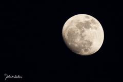 mesiac v aprili