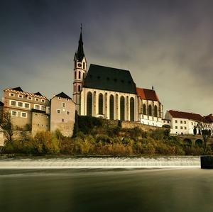 kostolík nad riekou