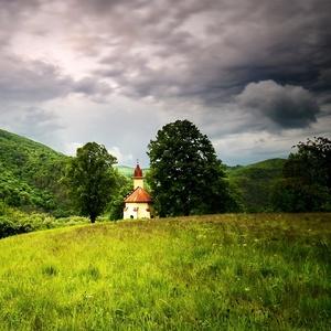 božské ticho pred búrkou