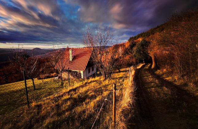 svetlo za dedinou