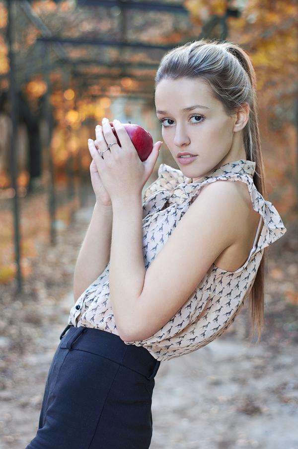 Hmm... jablčko 2