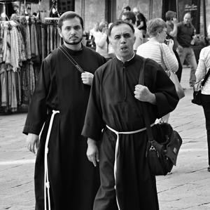 ...dvaja v Siene...