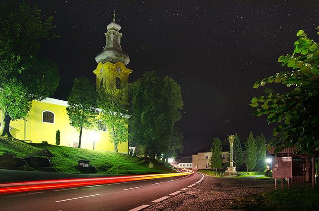 polnočné námestie