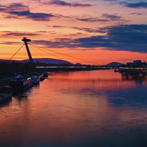 Novembrový západ slnka v BA