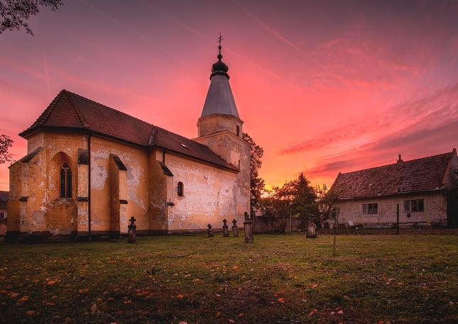 Strážovský gotický kostol