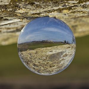 Veštenie z kameňa