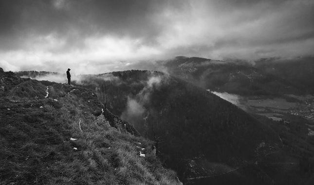 Hmlistý deň na Folkmárskej skale