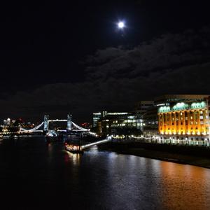 nočný Londýn