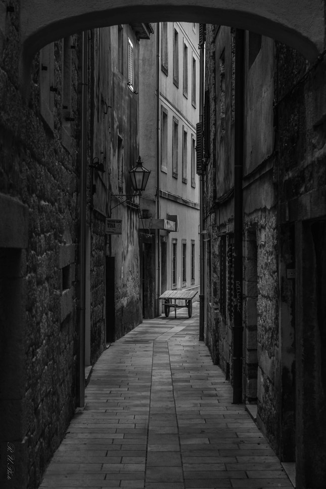 V tichej uličke