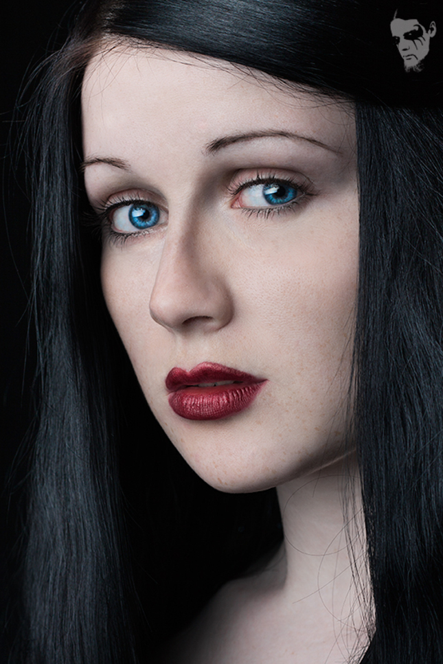 """""""Lady Snow White"""""""