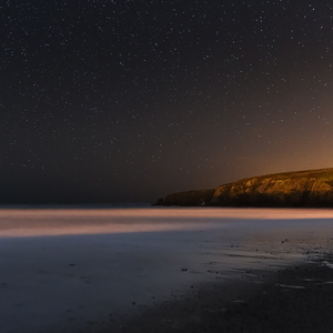 Noc na pláži