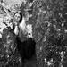 dievča v skalách