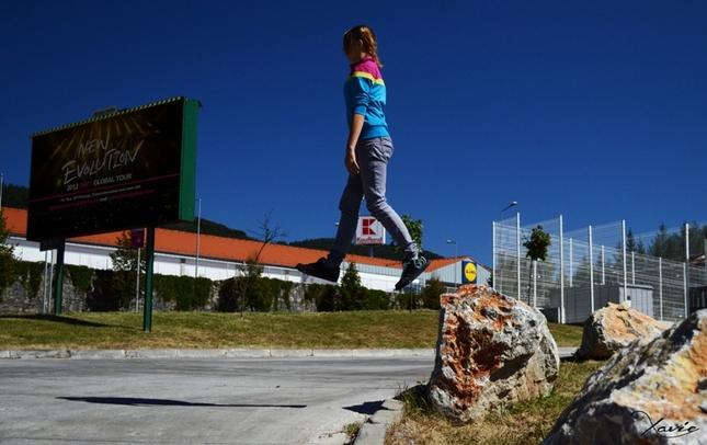 Karin flying