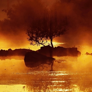 Poklad na rubínovo-zlatom jazere