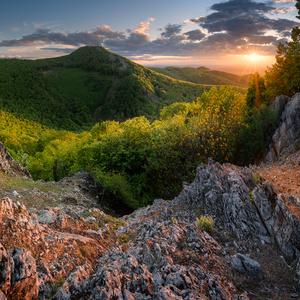 Zo slnečného vrchu