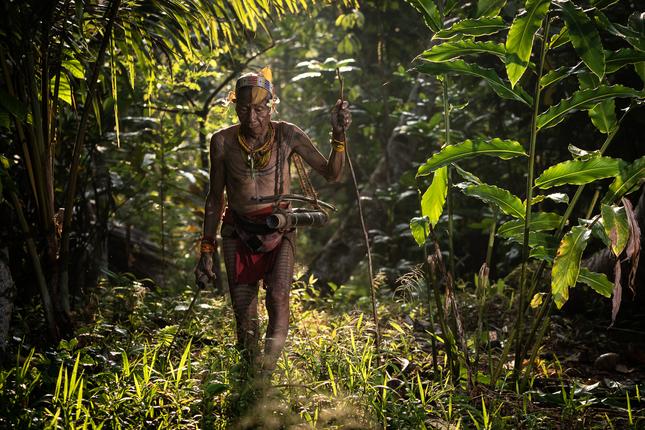 Šaman z kmeňa Mentawai