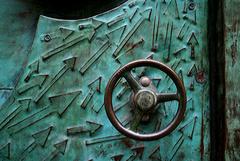 secret door - detail (IV)