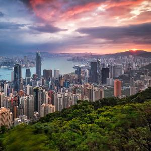 Východ slnka nad Hong Kongom