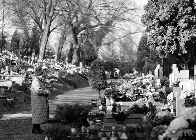 Na cintoríne
