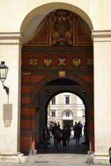 dalšia brána v Hofburgu