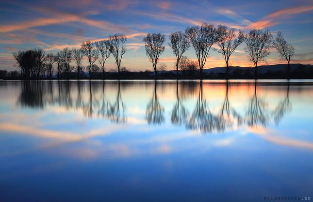 farebné zrkadlo