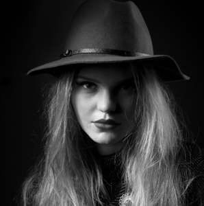 Portrait of redhead girl II.