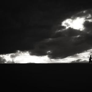 Medzi nebom a zemou