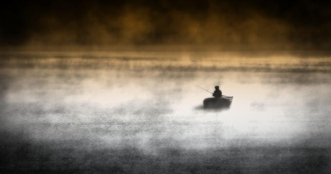 Som rybár ktorý ticho sedí