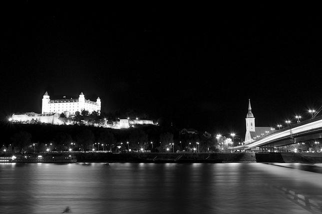 Bratislava - Hrad v noci