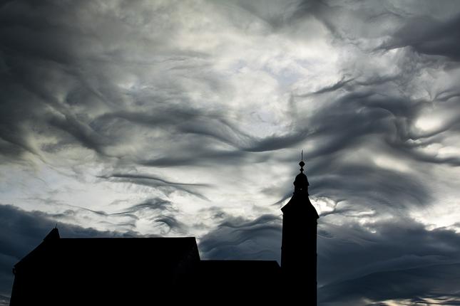 silueta kostola