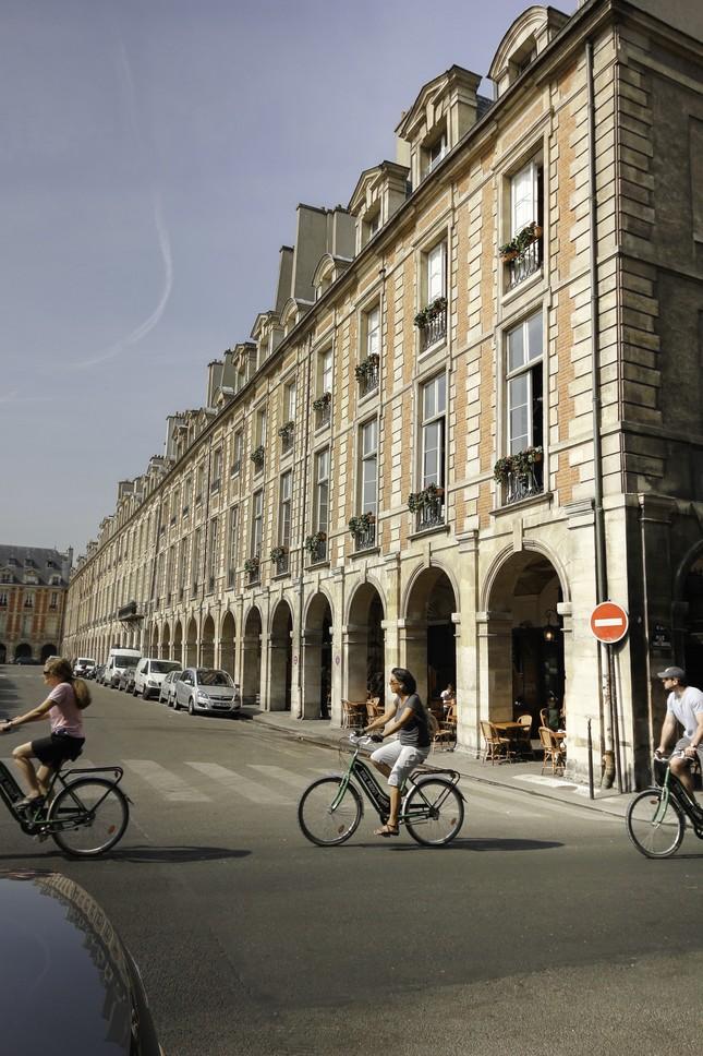 Po paríži na bicykloch